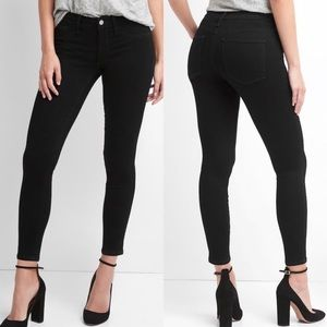 Gap black ankle cropped jeans